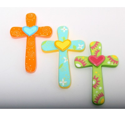 Lesen otroški križ s srcem
